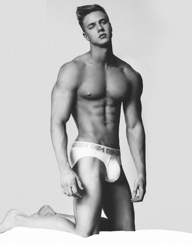 MASCULINE DOSAGE Attila Toth for Garçon Model by Brian Jamie. Spring 2016, www.imageamplified.com, Image Amplified (1)