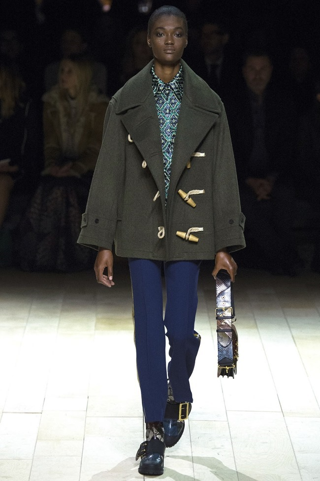 LONDON FASHION WEEK Burberry Fall 2016. www.imageamplified.com, Image Amplified (38)